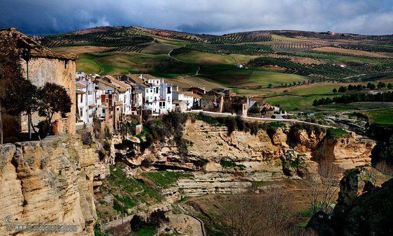 Tajos de Alhama y casas colgantes. Pueblos de Granada