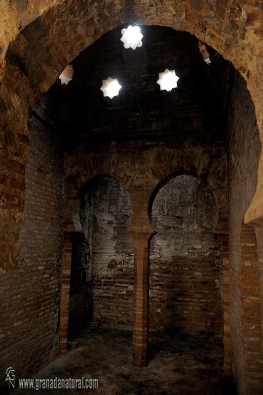 Granada natural bao de la mezquita alhambra - Banos turcos granada ...