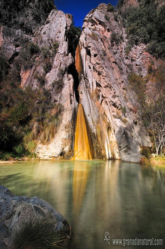 Cascada de los �rboles petrificados ( Rio Verde). Paisajes de Granada