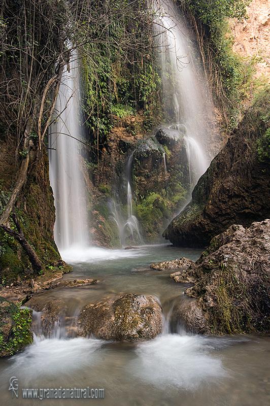 Cascada de Urquizar en el río Durcal. Paisajes de Granada