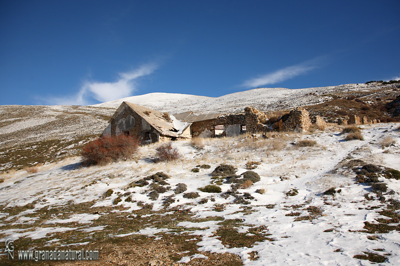 Cortijo Echevarr�a ( Sierra Nevada).