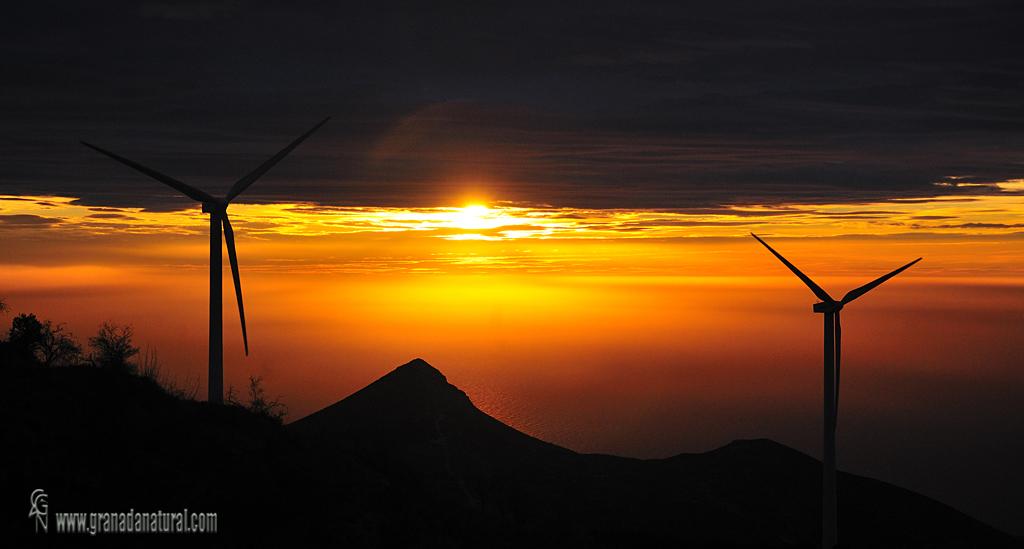 Al alba en el Pico del Aguila ( Gualchos). Paisajes de granada