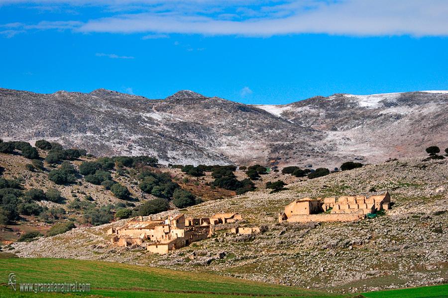 Cortijos abandonados en Sierra Gorda de Alhama